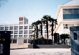 箕面学園高等学校画像